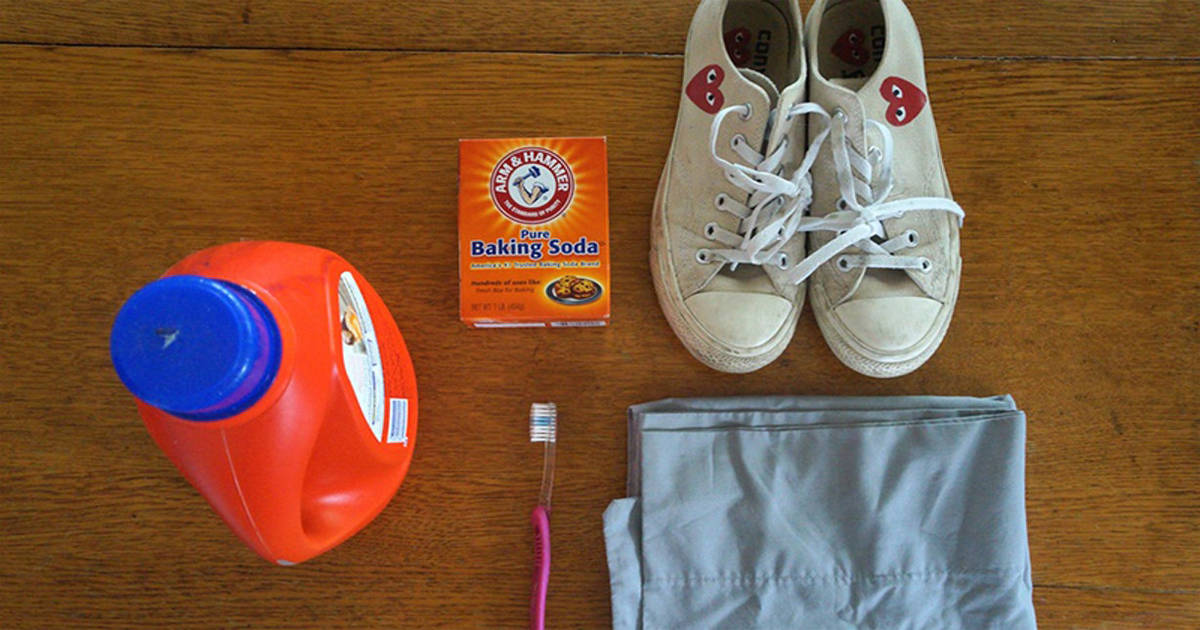 Using Baking Soda and Laundry Detergent